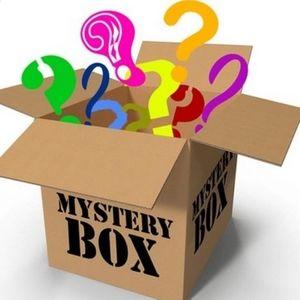 Box full of MEDIUM GOODNESS!🍭🍬